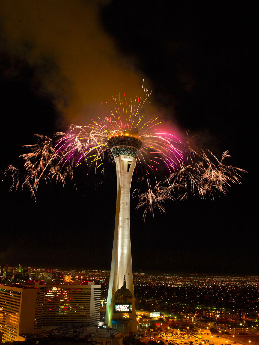STRATOSPHERE TOWER, 4TH OF JULY