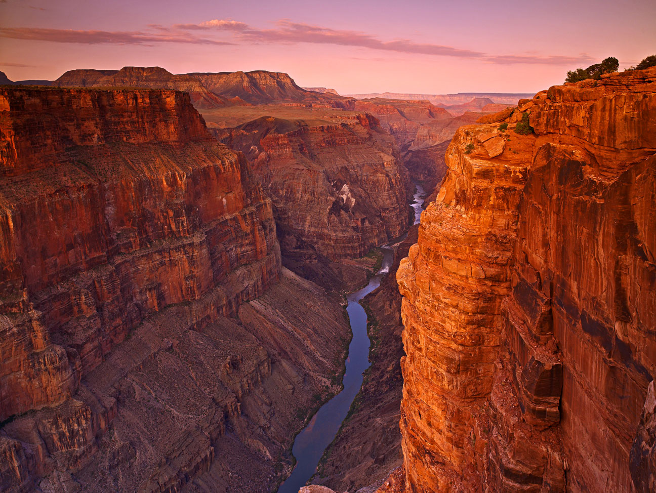 DAWN ON THE CANYON